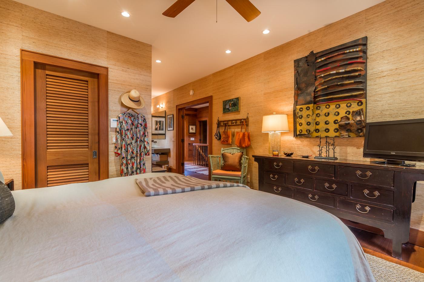 908 Fleming Street master bedroom
