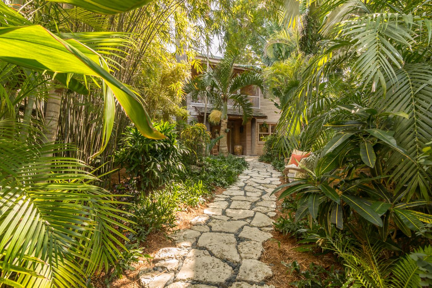 908 Fleming Street garden