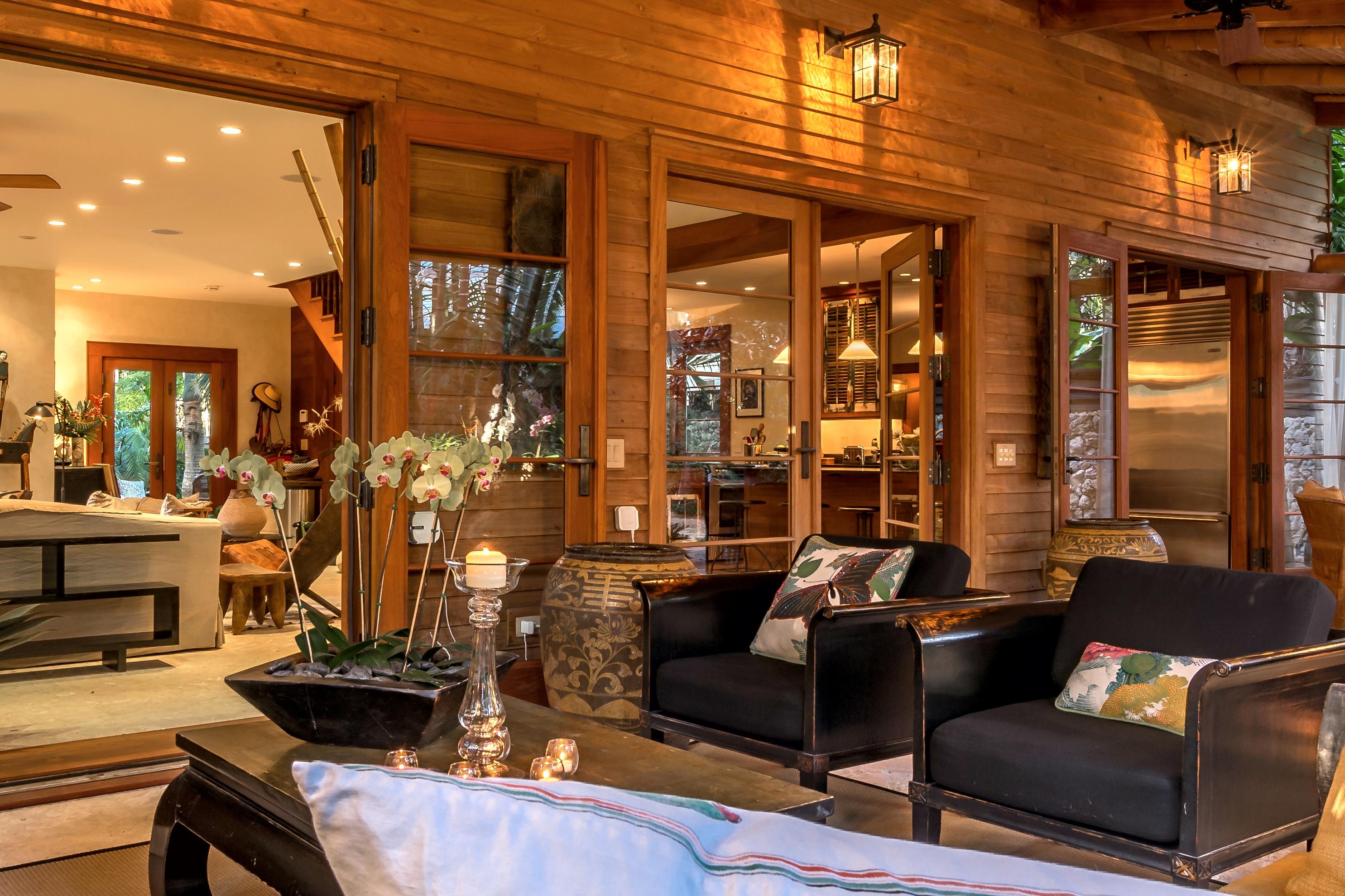 908 Fleming Living Room