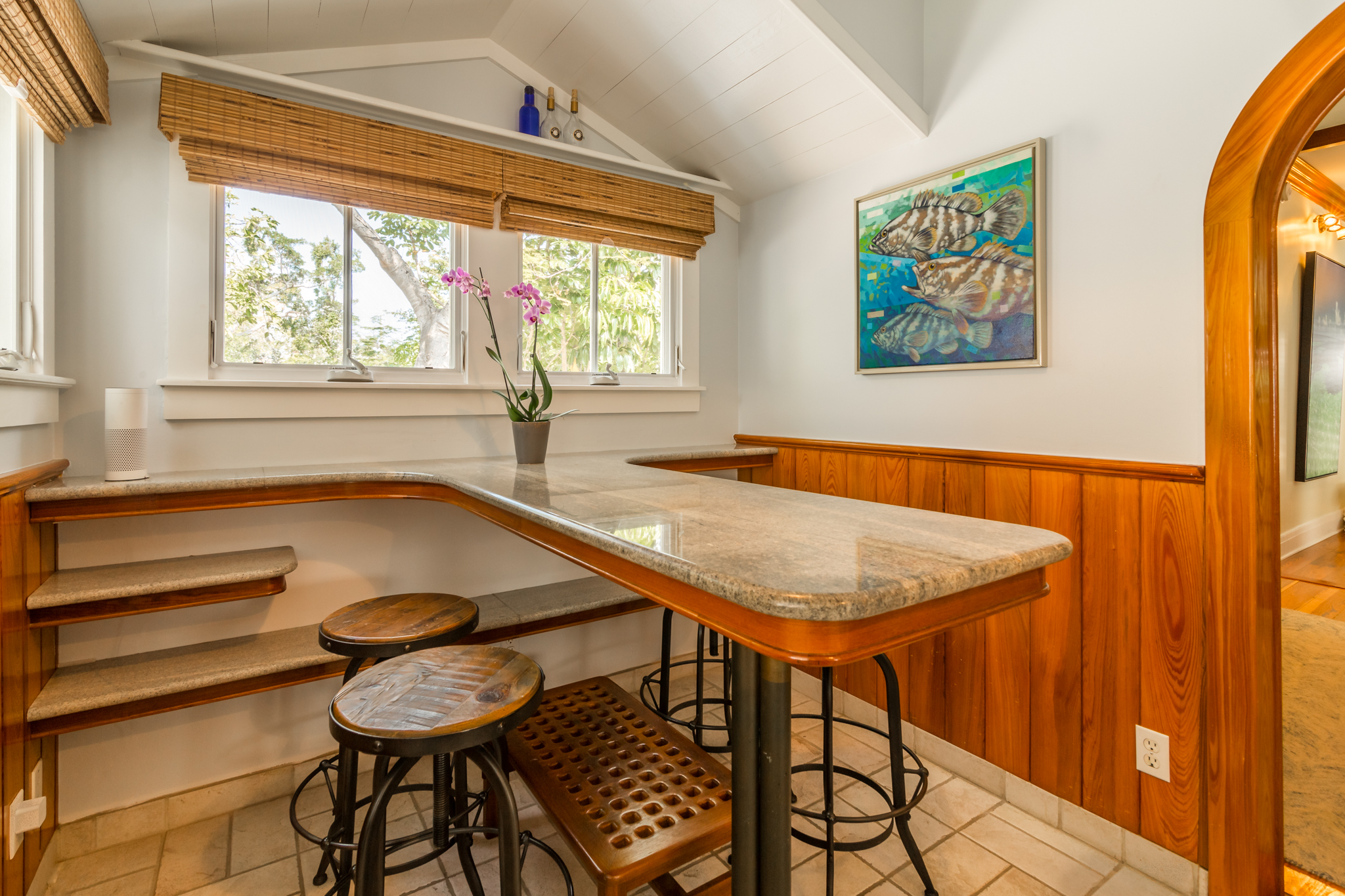 626 Margaret Breakfast Bar