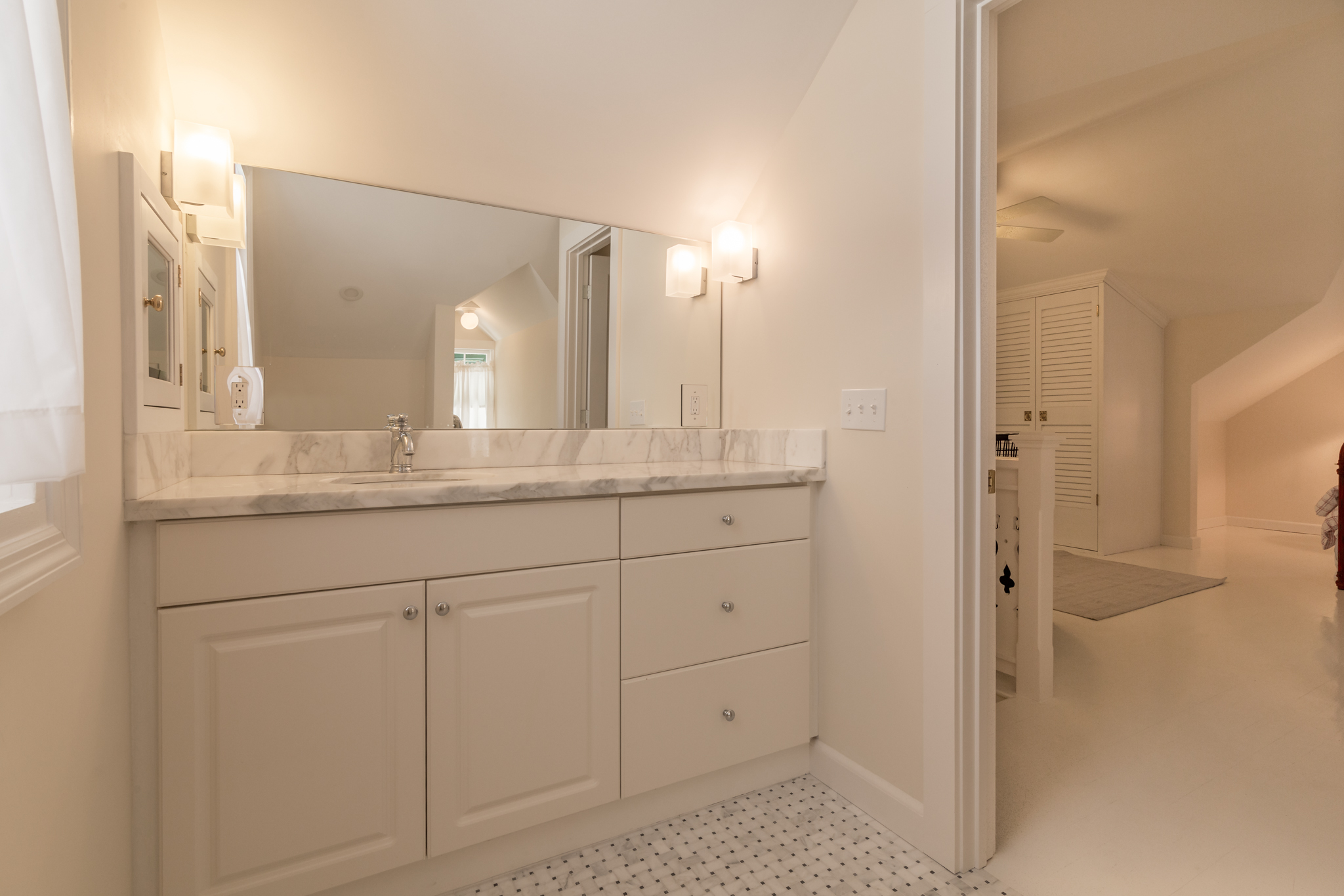 1011 South Street Master Bathroom