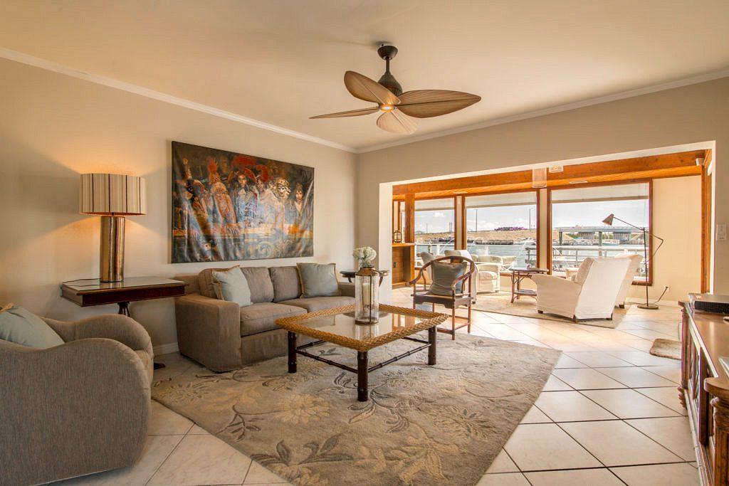 827 Eisenhower Living Room