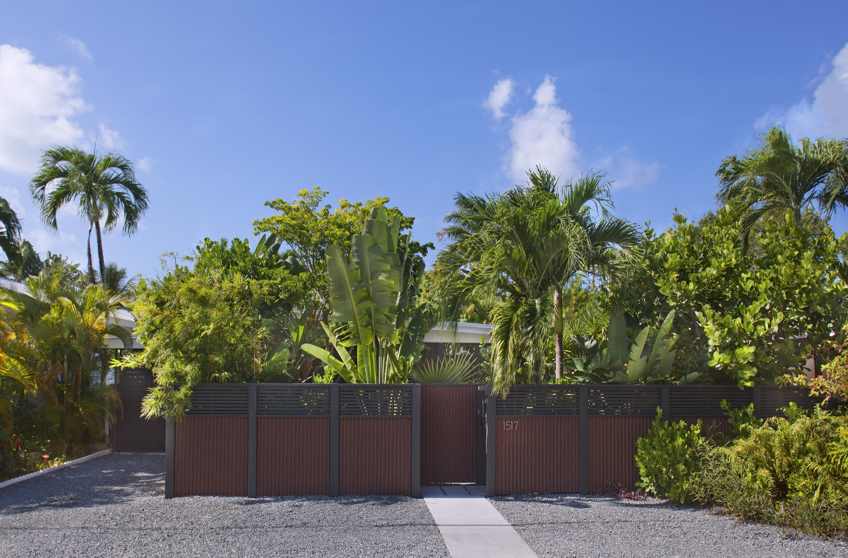 1517 Washington St Key West, Privacy Fence