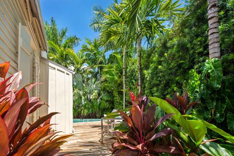 Sideyard_711 Elizabeth St Key West
