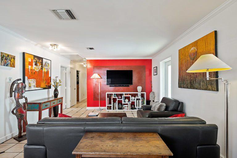 716 Elizabeth St, Key West_Living Room