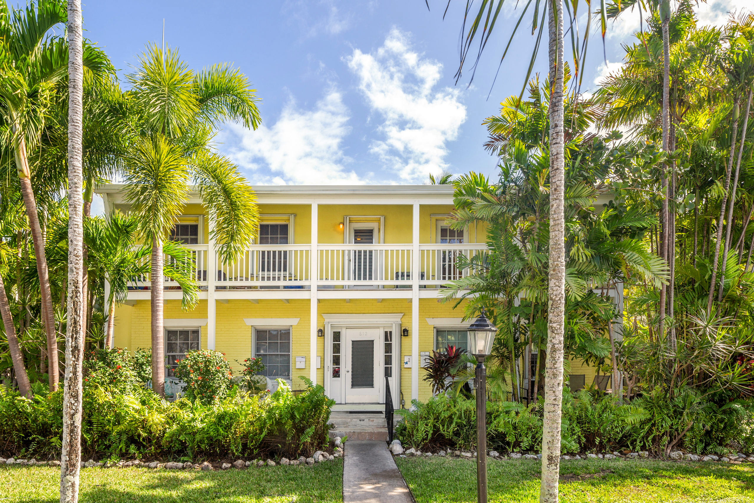 812 South St. #4, Key West_Front Yard View 2
