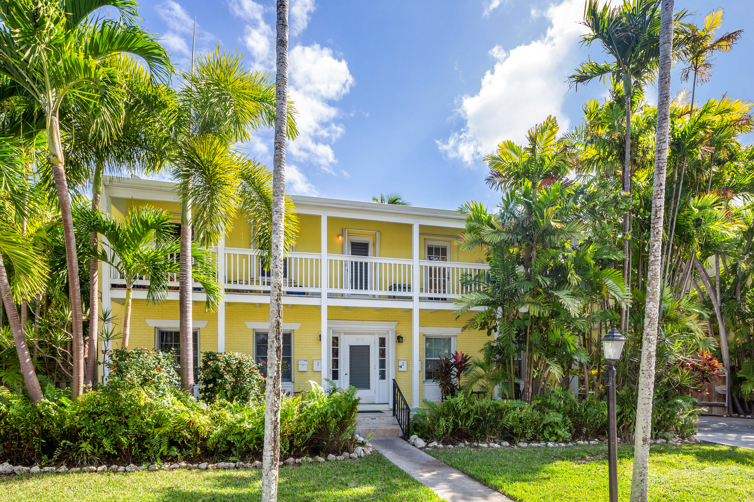 812 South St. #4, Key West_Front yard